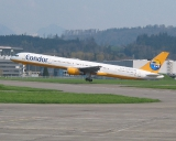 Condor Boeing 757-330 D-ABOK. Swisscoy Transport in den Kosovo.
