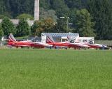 Patrouille Suisse wird nach der Landung eingewiesen